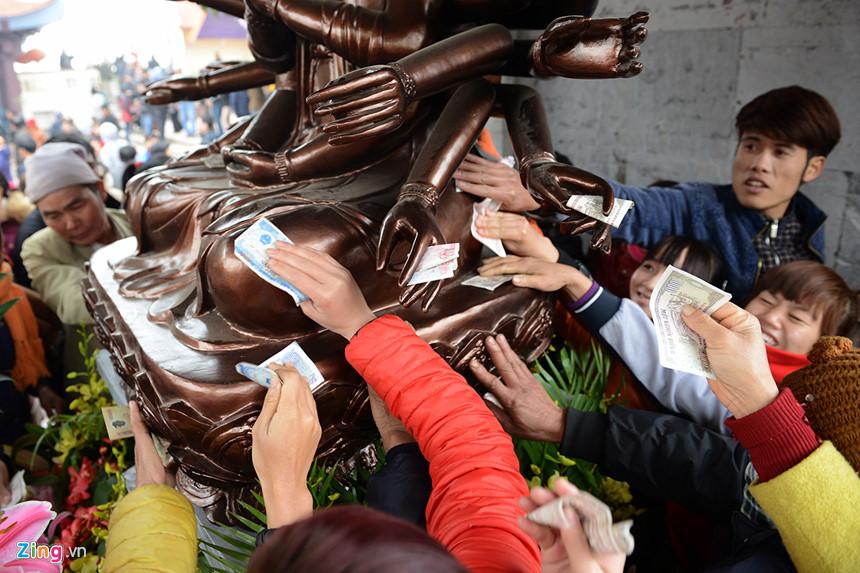 Cuộc khủng hoảng văn hóa của người Việt nhìn từ các lễ hội đầu năm