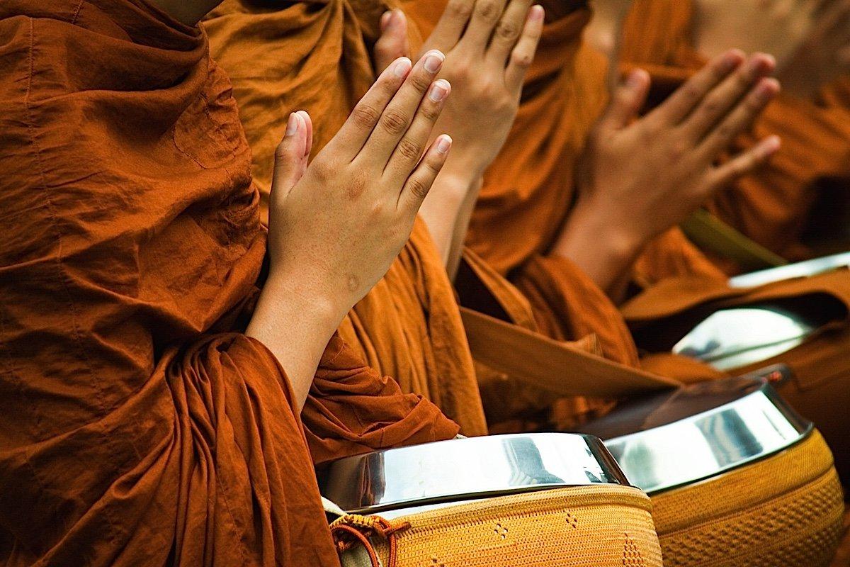 Đạo Phật chỉ dành cho những kẻ yếm thế?
