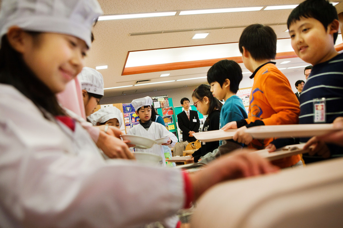 Trẻ em Nhật Bản và những bài học đạo đức thú vị trong trường học