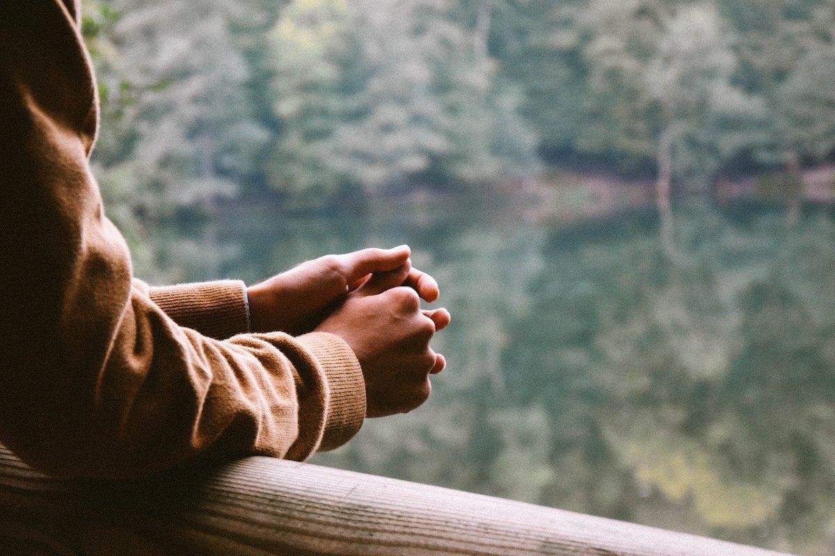 Làm sao để sống với niềm vui trong hiện tại?