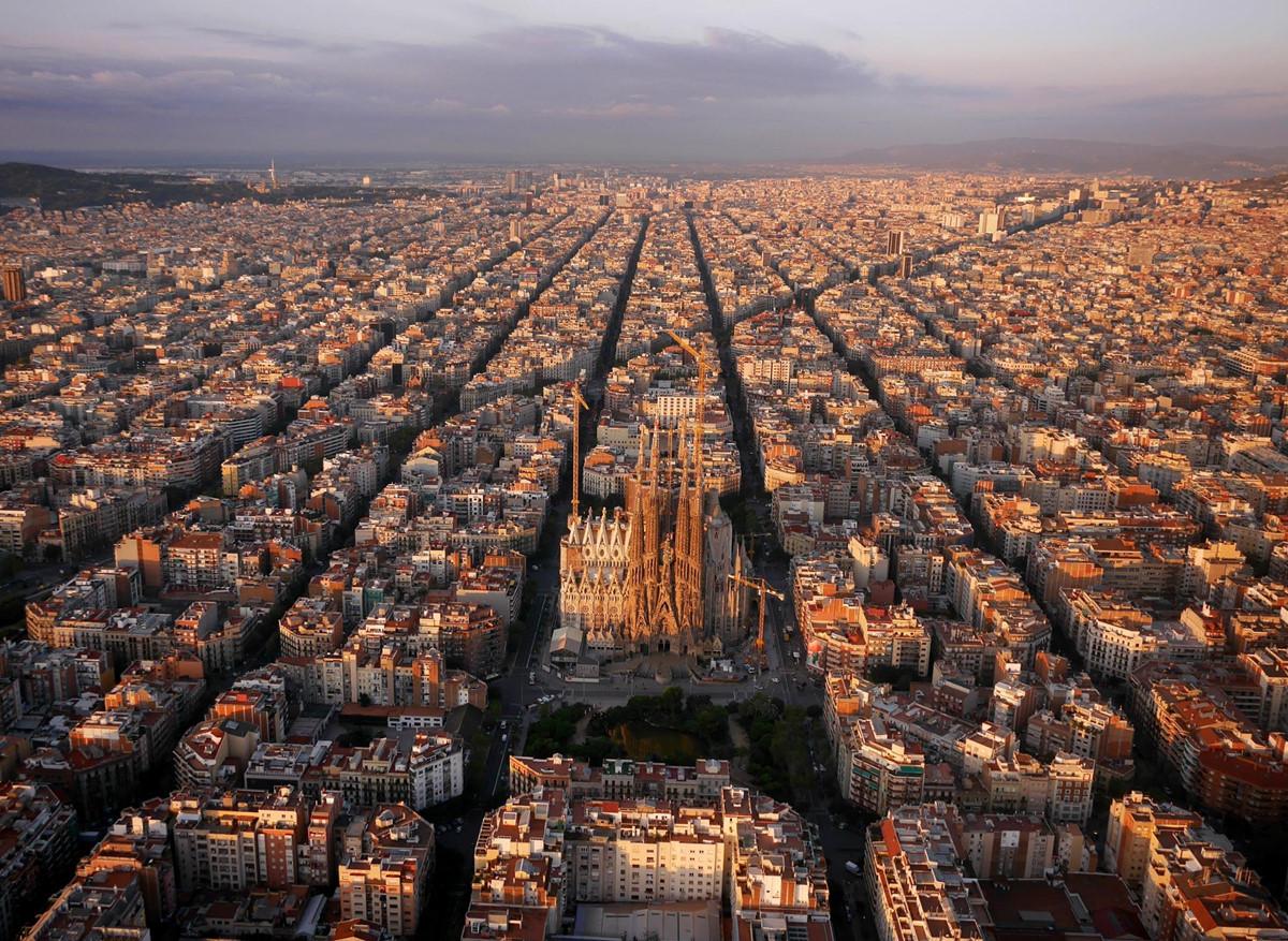 Chùm ảnh: Kỳ quan quy hoạch đô thị Barcelona nhìn từ trên cao