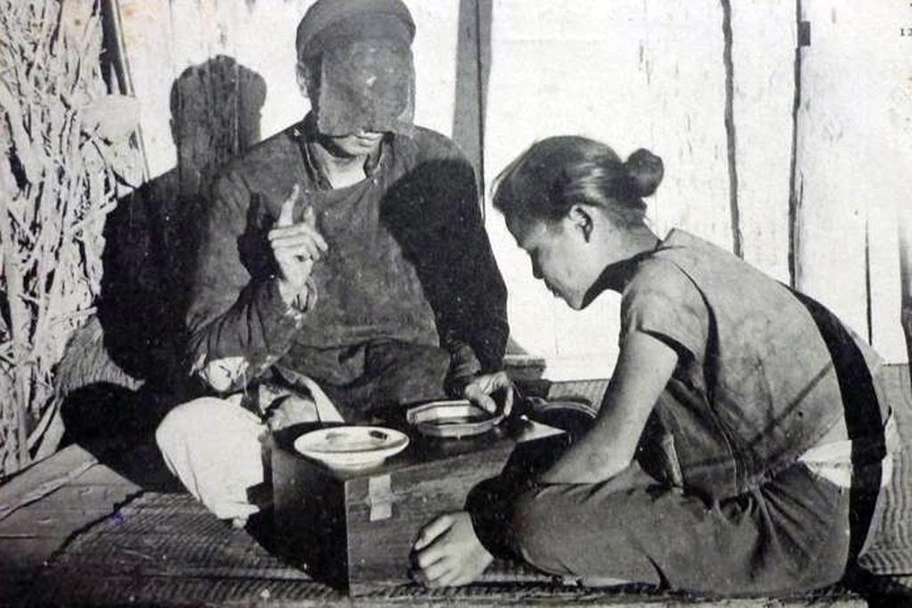 Tiếng cười phê phán mê tín dị đoan trong ca dao Việt Nam