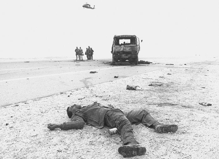 """""""Ngay cả ở Việt Nam tôi cũng chưa từng thấy bất cứ điều gì như thế này. Thật thảm hại"""", Thiếu tá Bob Nugent, một sỹ quan tình báo quân đội cho biết."""