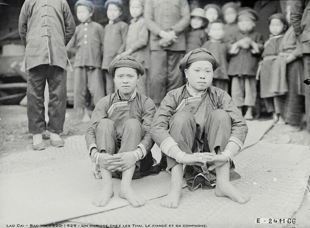 Chùm ảnh: Đám cưới trẻ em ở Tây Bắc một thế kỷ trước