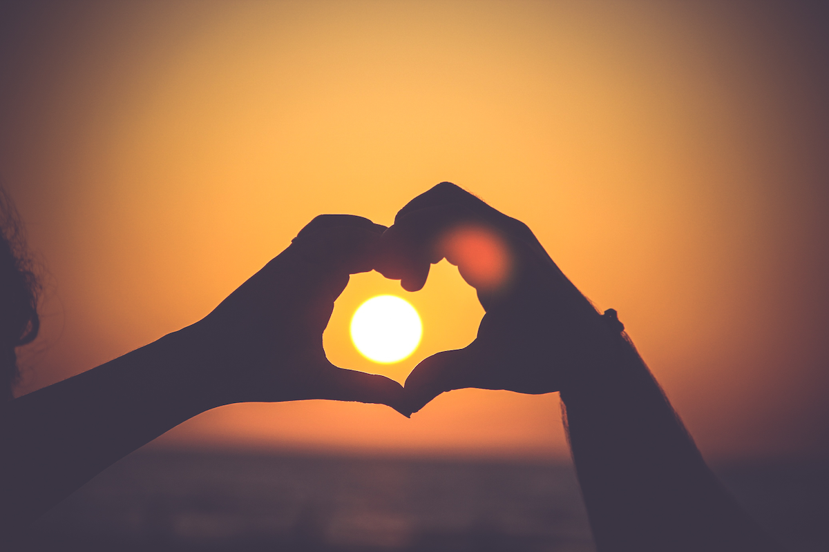 Thiền sư Thích Nhất Hạnh nói gì về tình yêu?