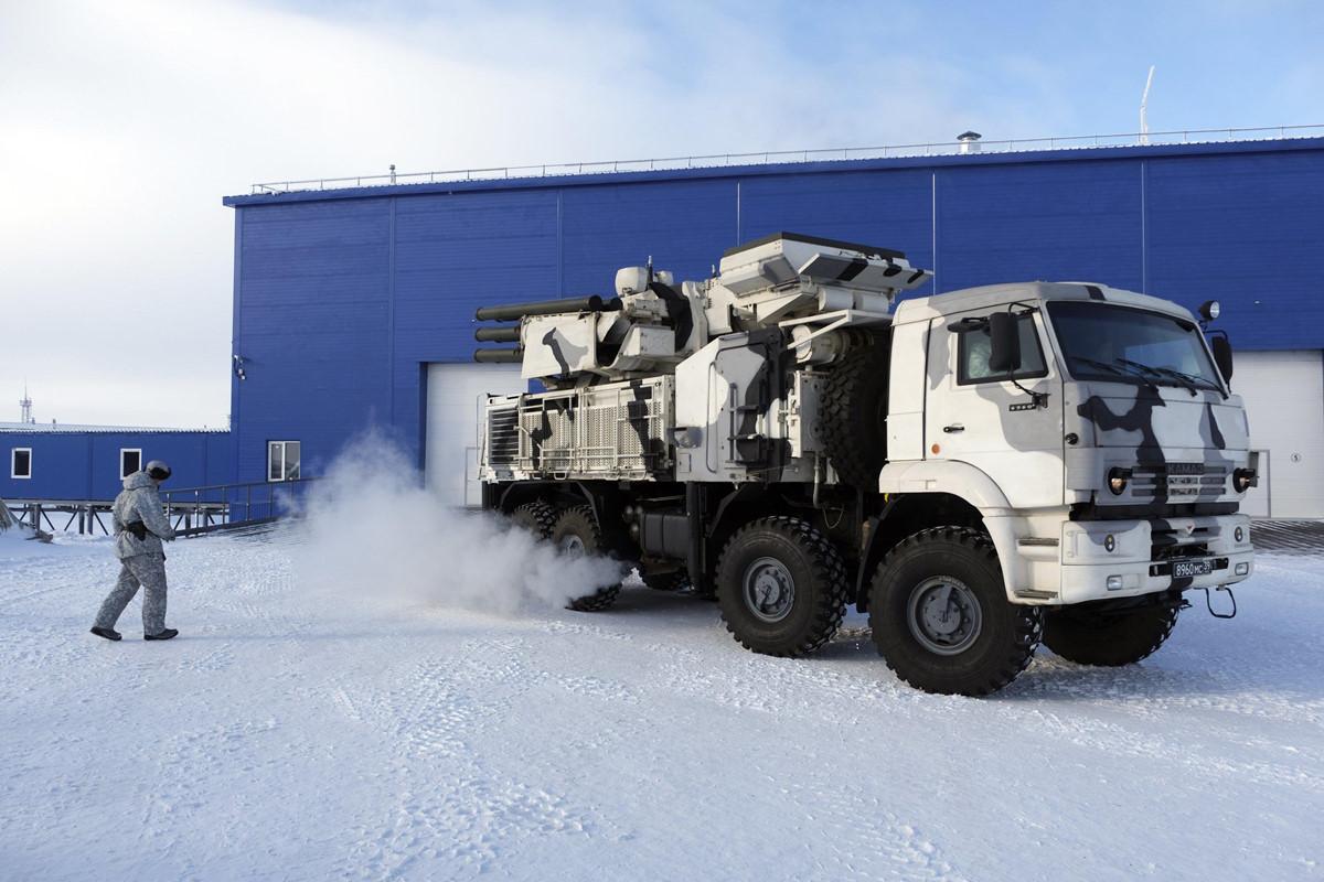 Chùm ảnh: Căn cứ quân sự đặt trên hòn đảo khổng lồ ở Bắc Cực của Nga