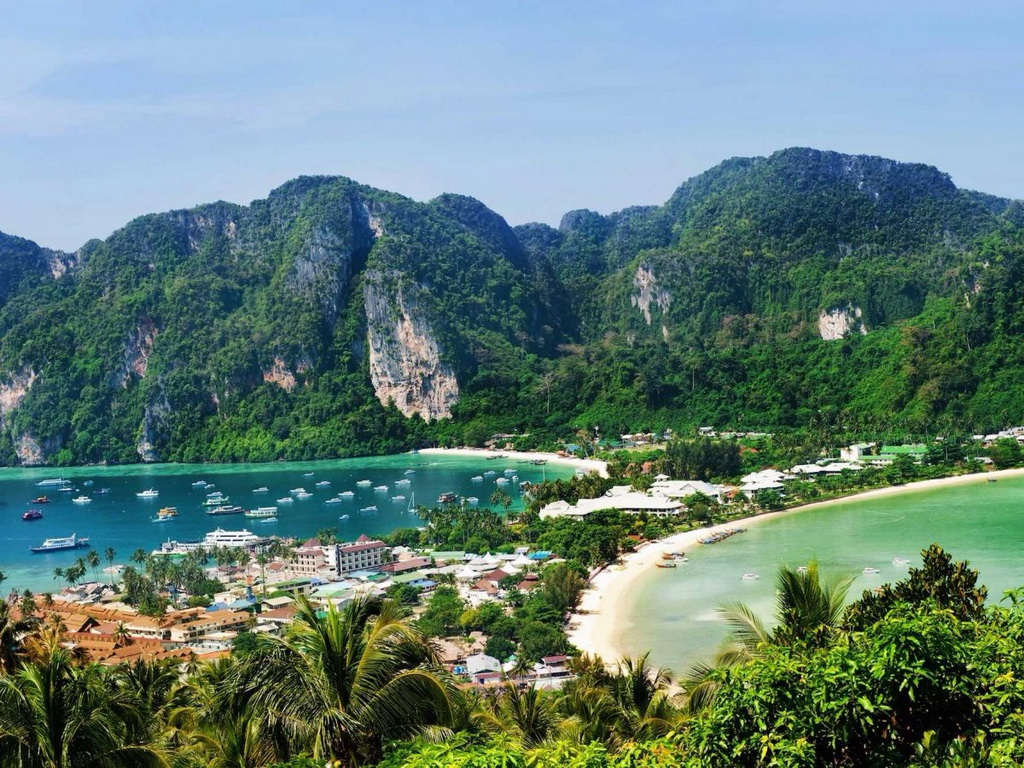 Nếu bạn đang tìm kiếm một thiên đường bình yên, hãy lên tàu và ra đảo Ko Phi Phi xinh đẹp ở miền Nam Thái Lan.