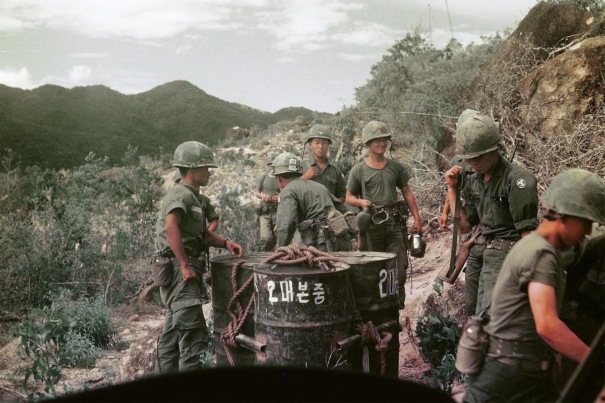 Lính đánh thuê và gái điếm Hàn Quốc trong chiến tranh Việt Nam