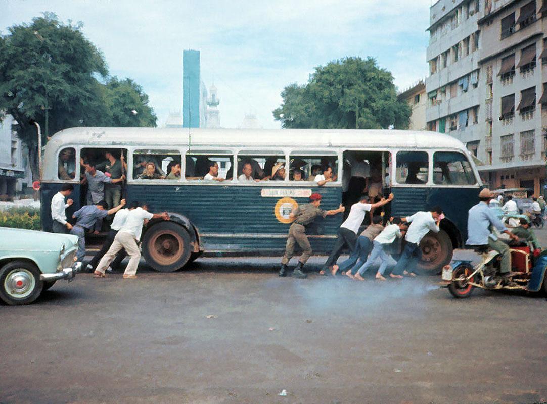Sài Gòn năm 1965 qua 50 bức ảnh của Bruce Baumler