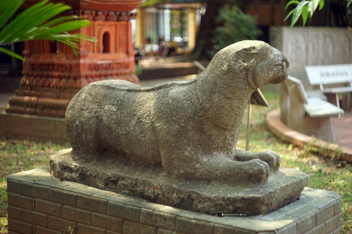 Chùm ảnh: Bức tượng hổ đá 700 tuổi tuyệt đẹp của Việt Nam