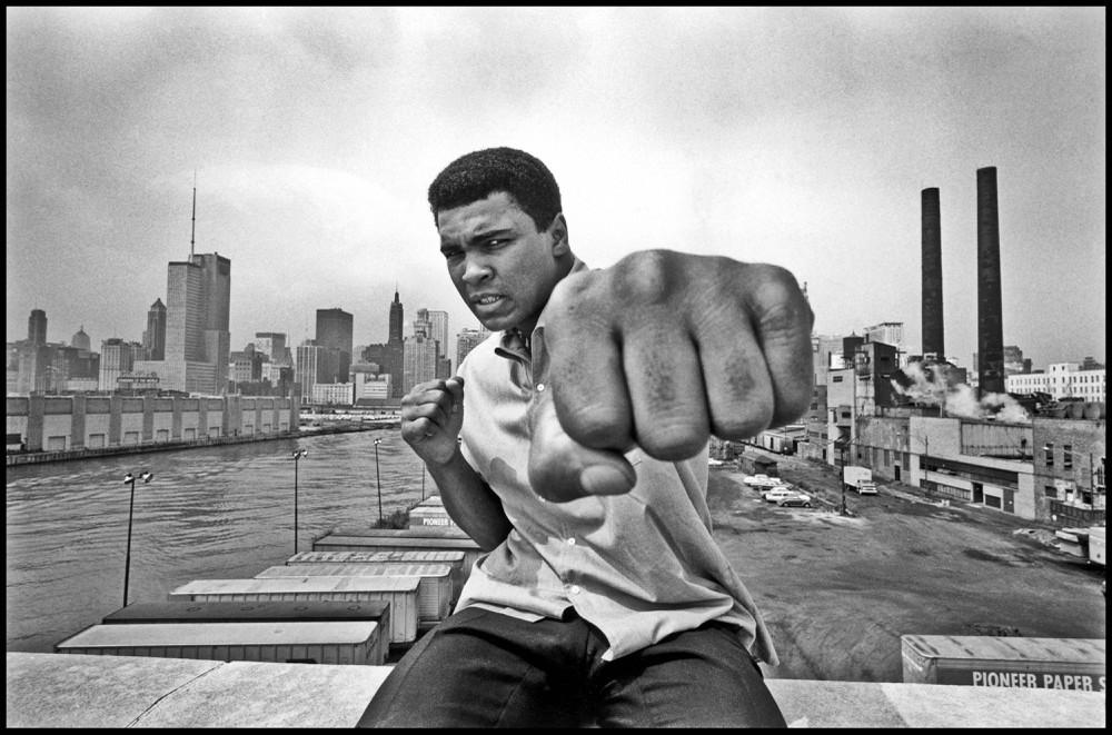 Muhammad Ali: Từ huyền thoại sàn đấu đến anh hùng phản chiến