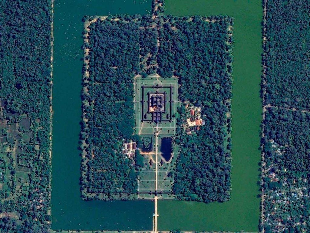 Toàn cảnh đền Angkor Wat - di tích tôn giáo lớn nhất thế giới - ở Campuchia khi nhìn từ không trung.