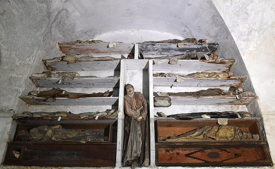 Chùm ảnh: Tu viện Capuchin – xứ sở của người chết ở Italia
