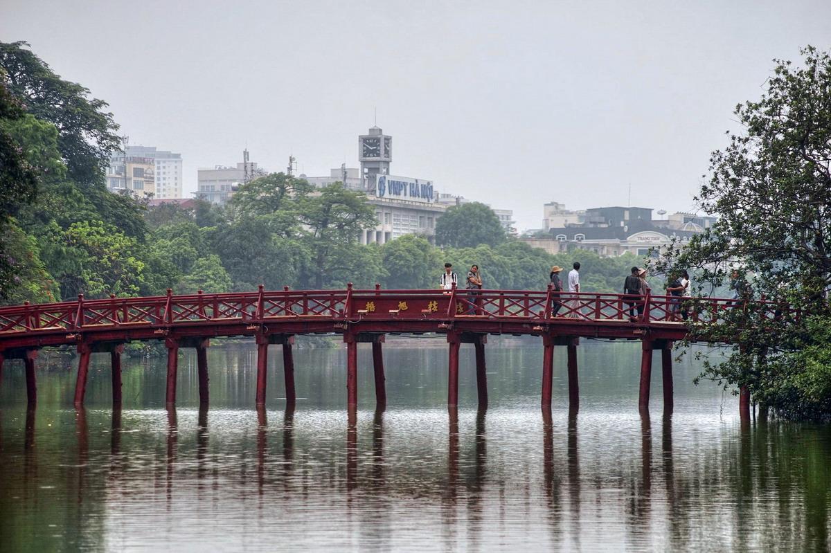 Chùm ảnh: Cầu Thê Húc – nơi ghi dấu những câu chuyện chấn động Thủ đô