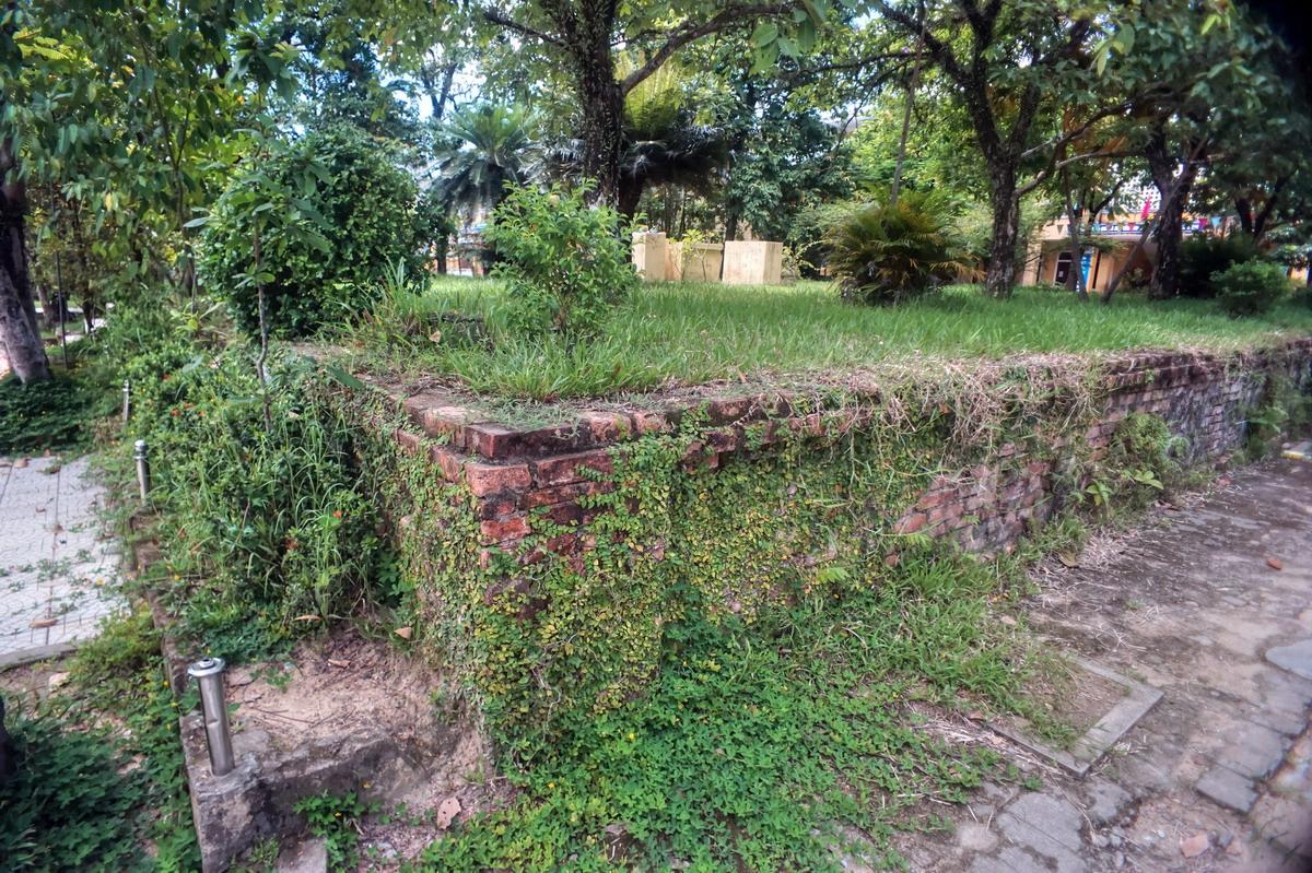 Chùm ảnh: Đàn Sơn Xuyên – đàn tế cổ xưa nằm giữa sân trường ở Huế