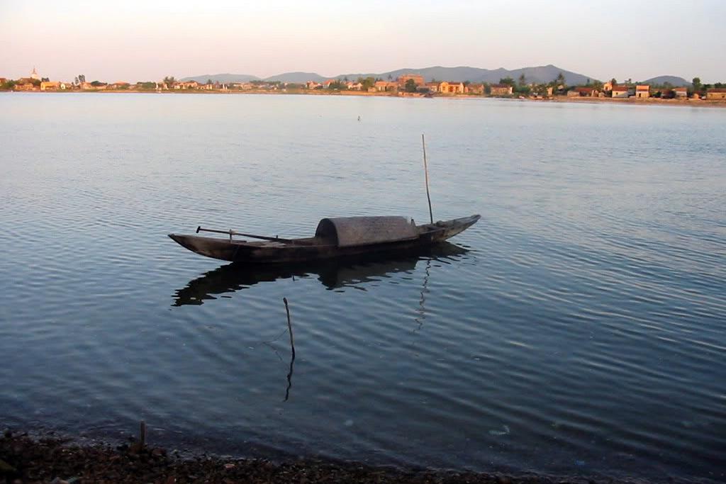 Sang sông trong văn hóa và văn học Việt