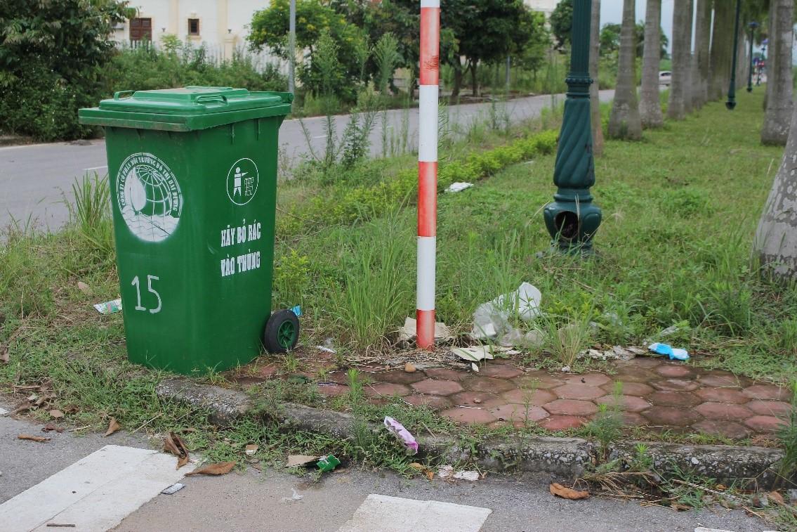 Xả rác vô tội vạ – cách hành xử chỉ có ở những xã hội dân trí thấp