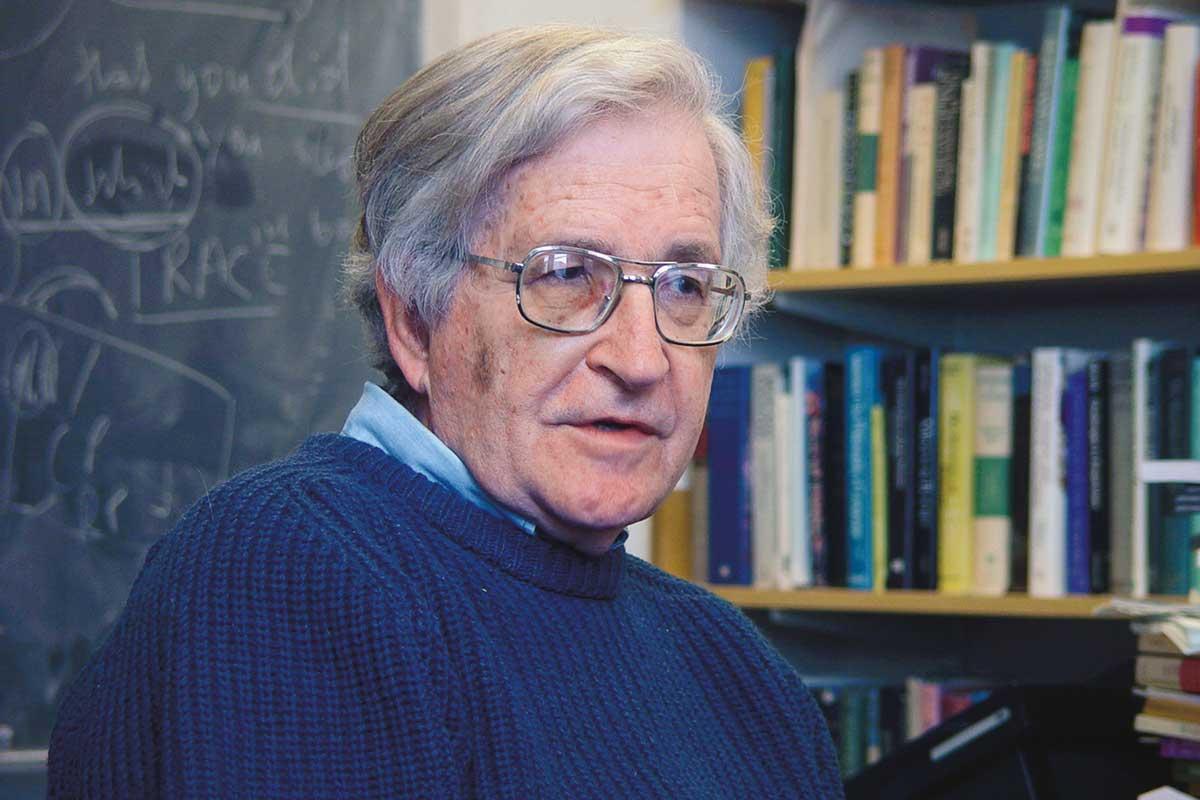 Avram Noam Chomsky – ông là ai?