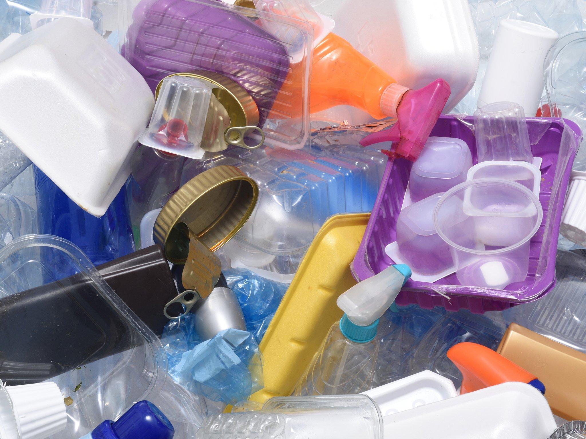 Nhận diện hiểm họa cho sức khỏe từ bao bì nhựa