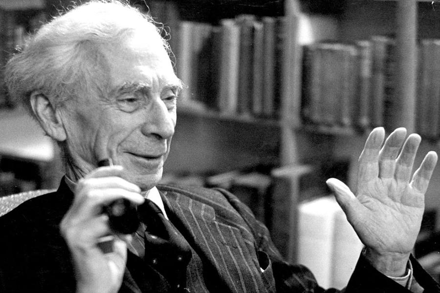 Triết gia Bertrand Russell – cơn ác mộng của các nhà thần học