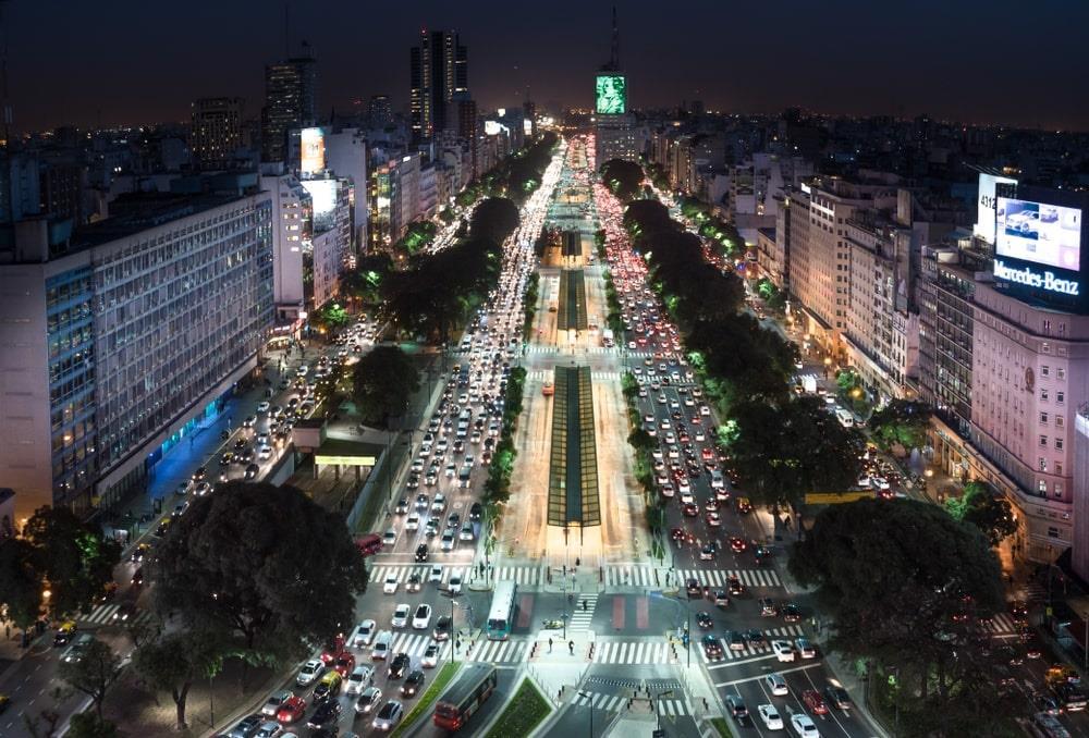 Chùm ảnh: Điều thú vị trên con đường rộng nhất thế giới