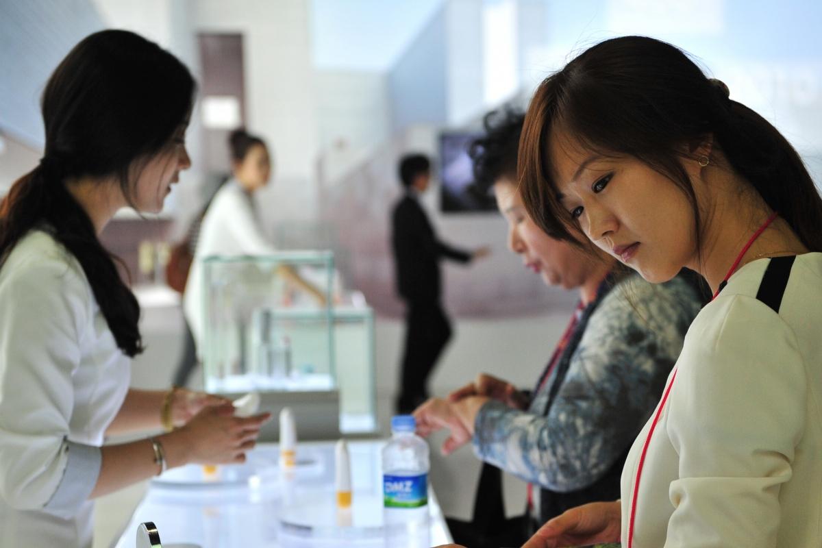 Thân phận 'nô lệ thời hiện đại' của phụ nữ Hàn Quốc