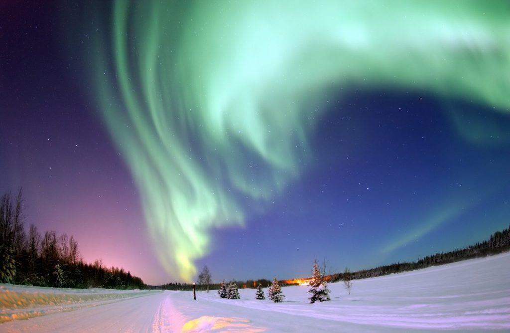 Những hình ảnh đẹp đến không tưởng về hiện tượng cực quang