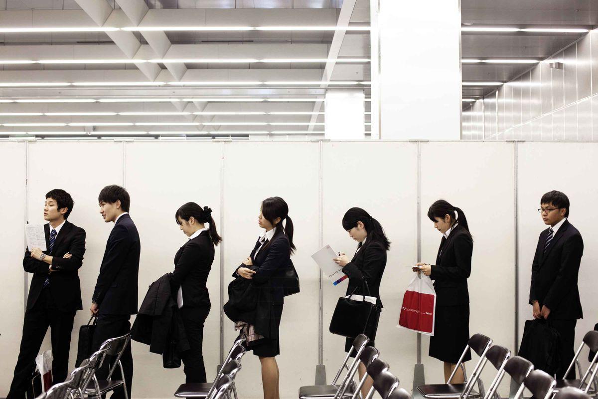 Hàn Quốc và một thế hệ trẻ bị đánh cắp giấc mơ