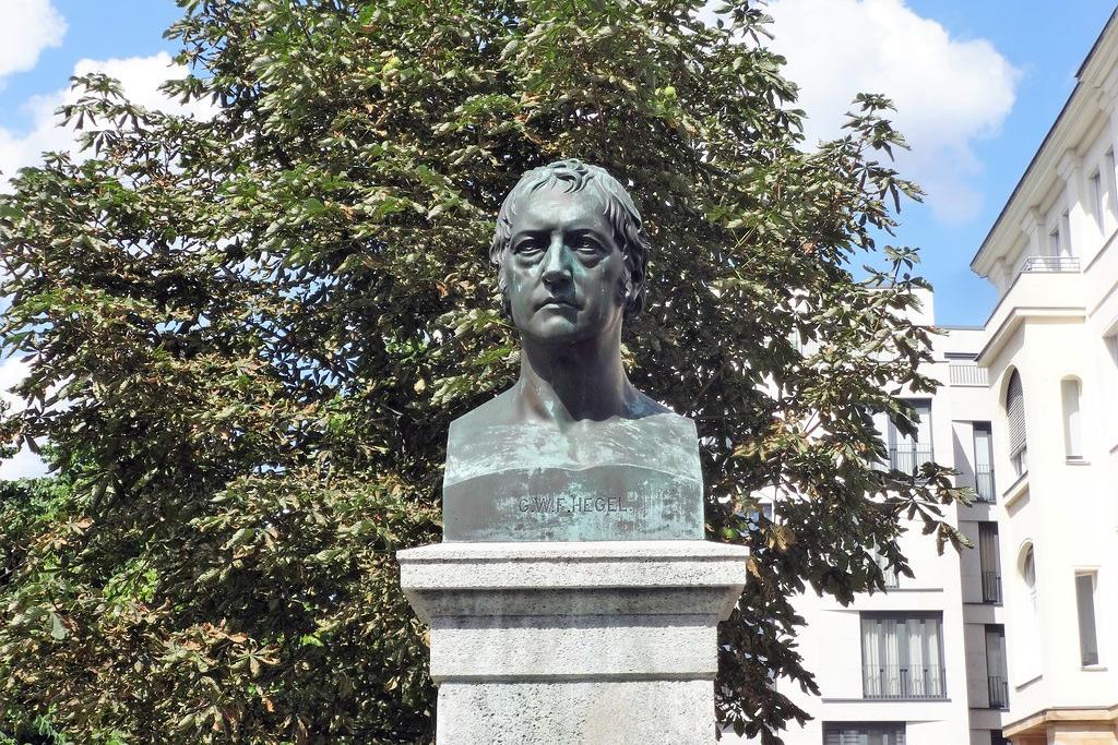 Vài suy nghĩ về vai trò triết học Hegel và 'ý niệm tuyệt đối'