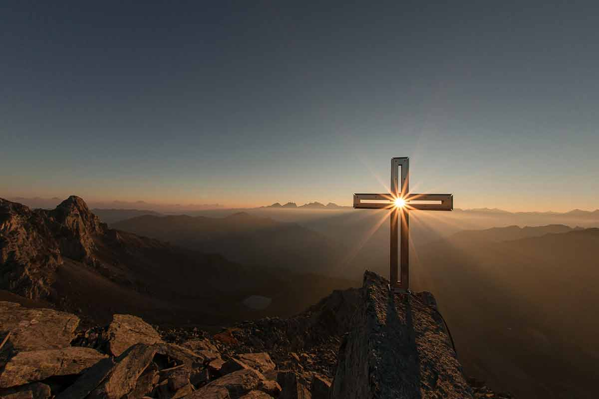 Những điều cần biết xung quanh thuật ngữ 'Tôn giáo'