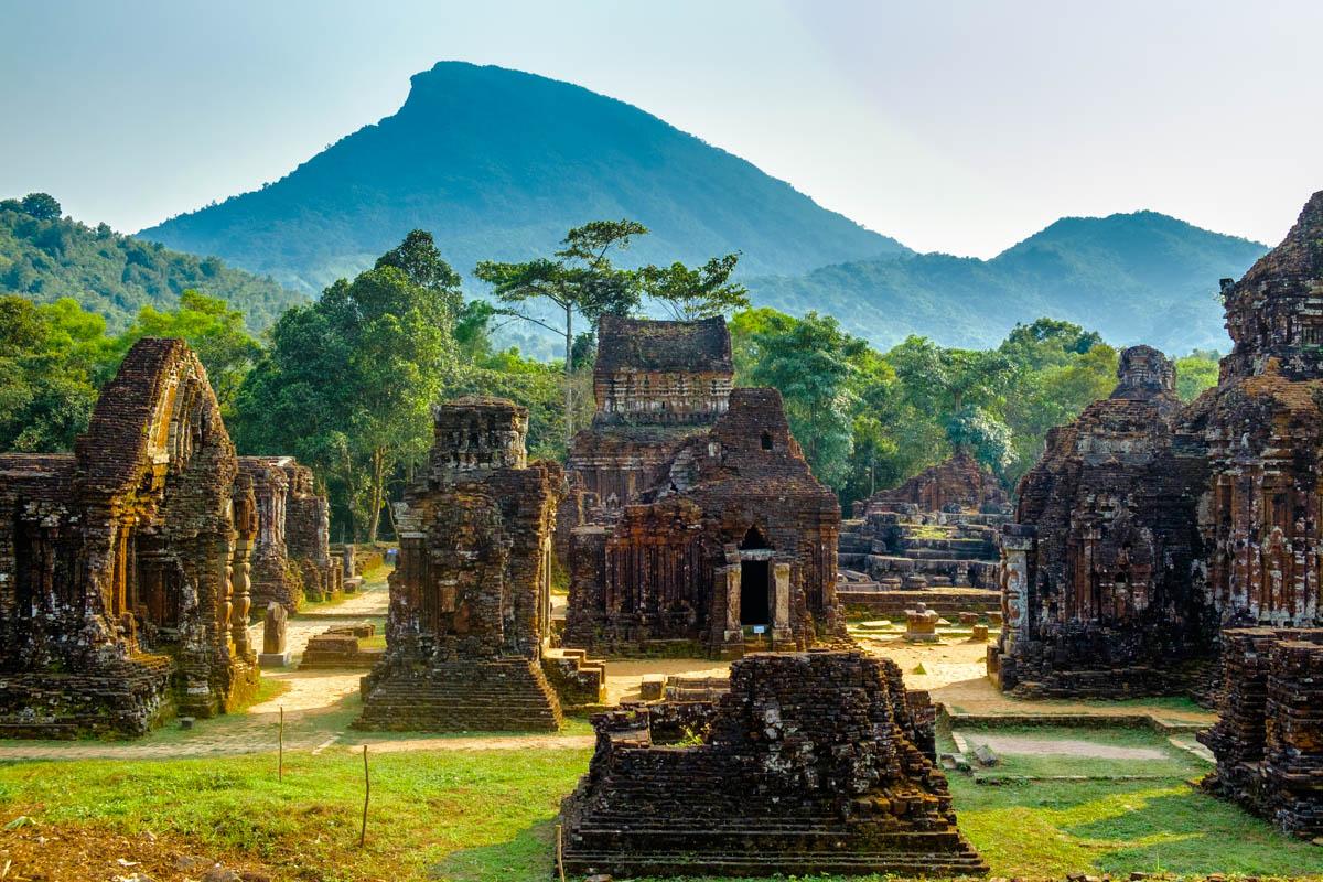 Xem xét lại lịch sử vương quốc Champa