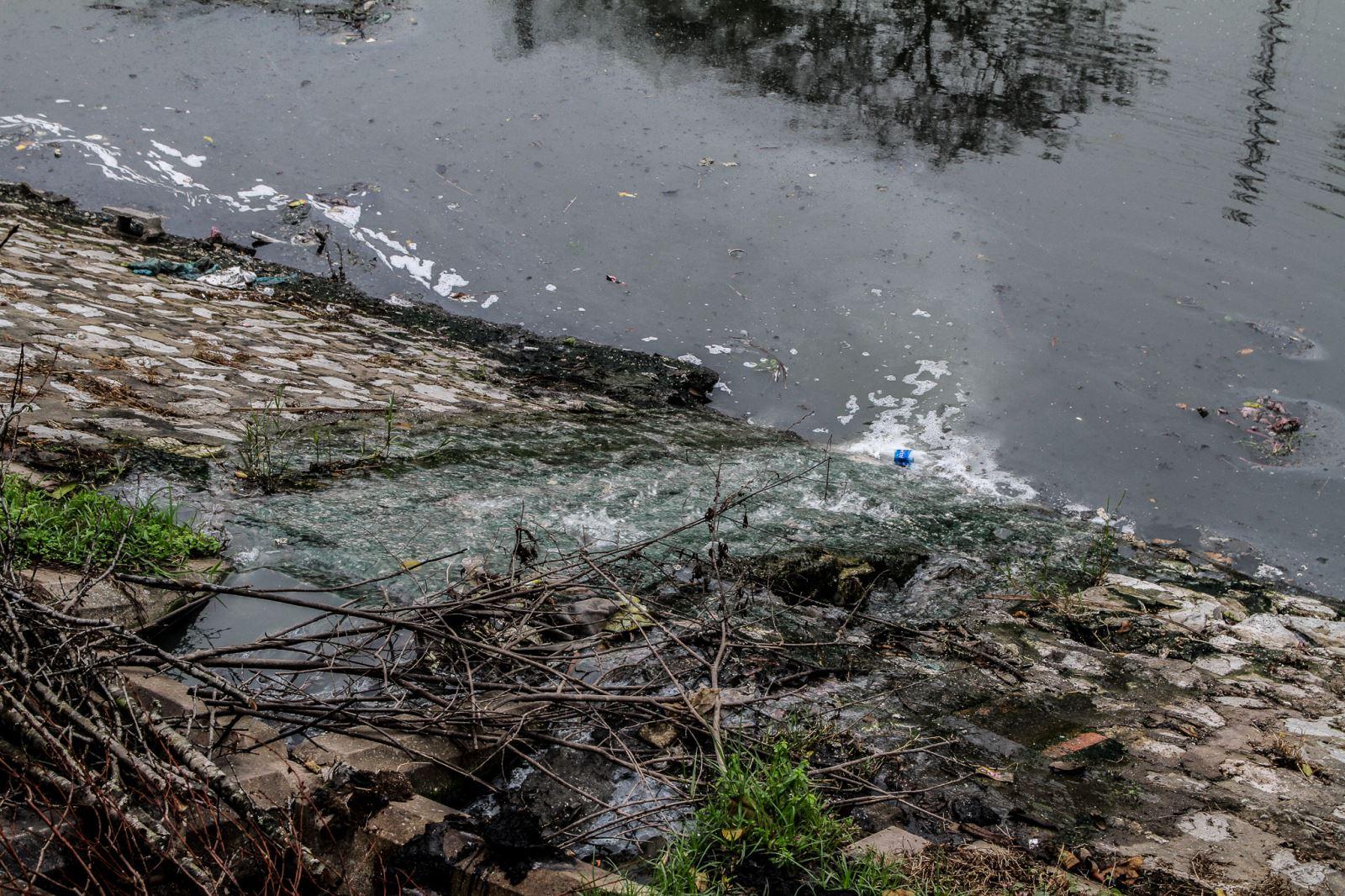 Đôi lời về những dòng sông 'chết' của Hà Nội