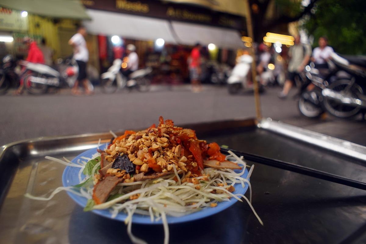 Chùm ảnh: Những điều đặc biệt của con phố ngắn nhất Hà Nội