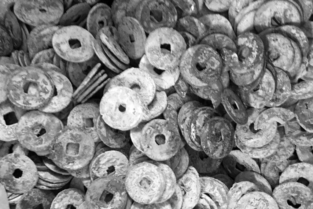 Tiền bạc, của cải trong tục ngữ của người Việt