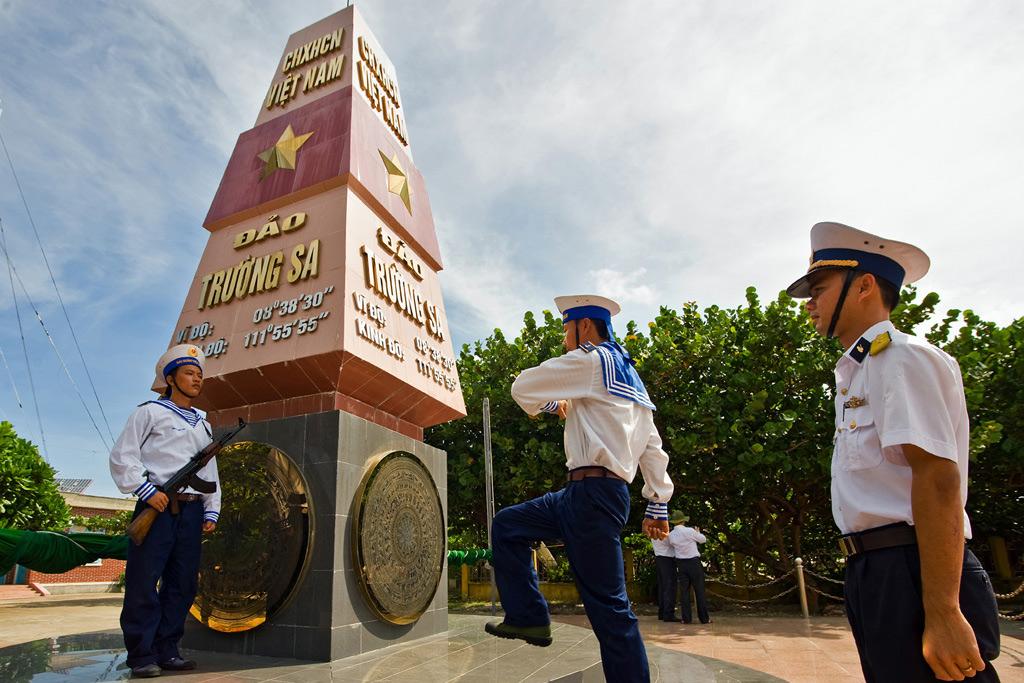 Việt Nam và Biển Đông: Luôn sẵn sàng cho chiến tranh để bảo vệ hòa bình