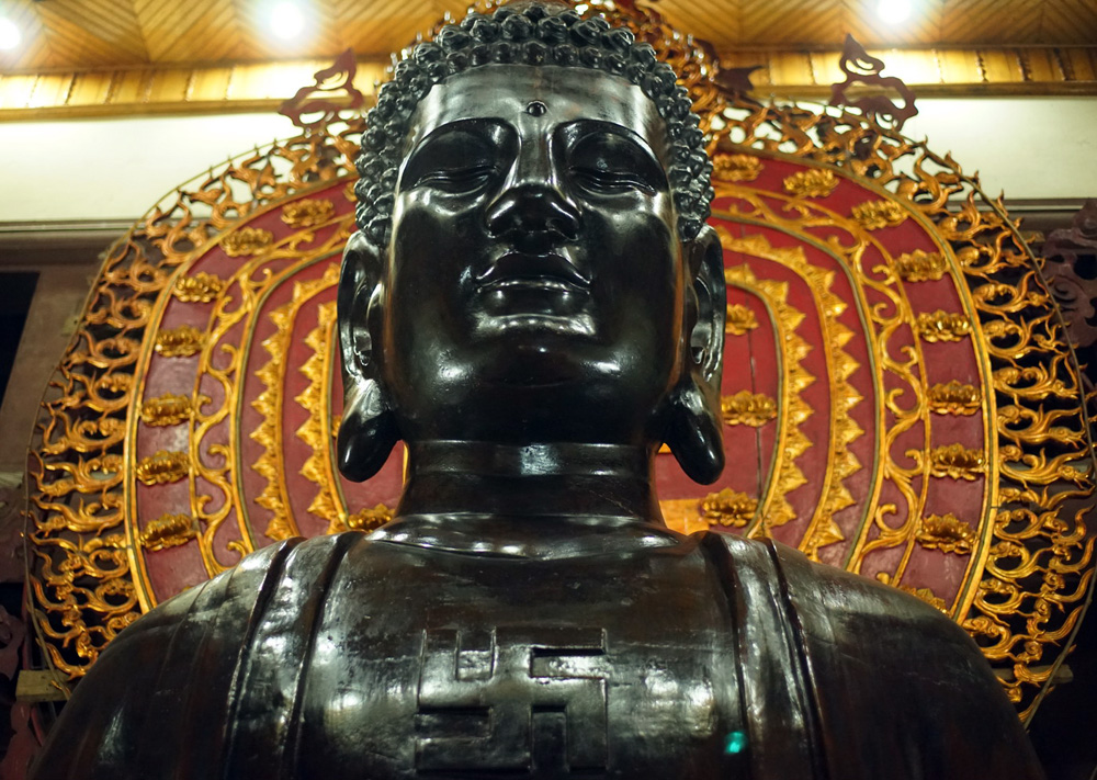 Chùm ảnh: Pho tượng Phật khổng lồ bằng đồng đặc biệt của Hà Nội