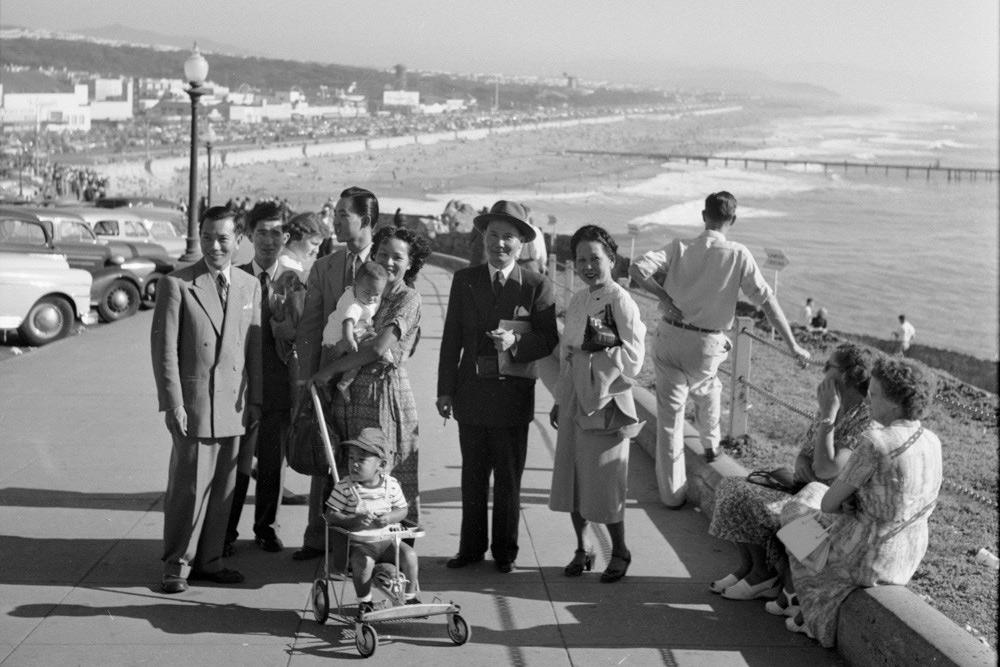 Chùm ảnh: Chuyến du hí của người Việt ở Mỹ năm 1951