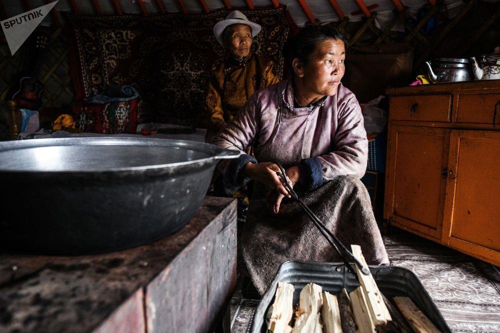 Leu Yurt, dan du muc, tuong Thanh Cat Tu Han dua du khach den Mong Co hinh anh 12