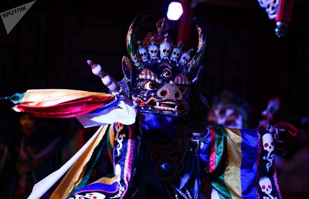Leu Yurt, dan du muc, tuong Thanh Cat Tu Han dua du khach den Mong Co hinh anh 15