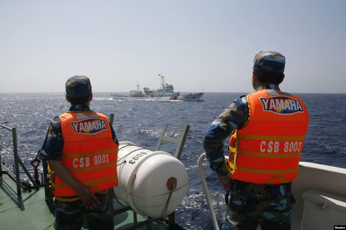 Tàu chiến nước ngoài đi vào lãnh hải của mình thì có được 'bắn bỏ mẹ' nó không?