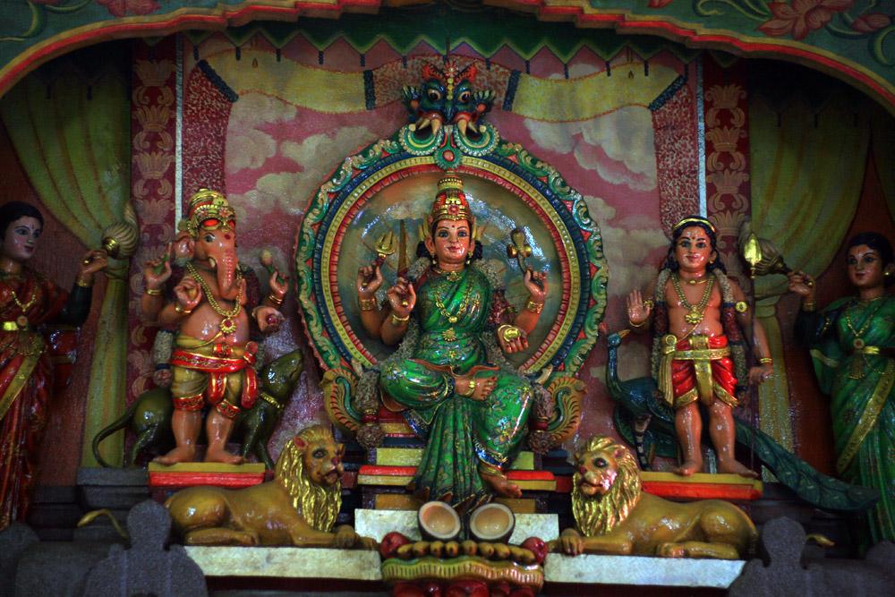 Chùm ảnh: Đền thờ Bà Mariamman – một thoáng Ấn Độ huyền bí giữa Sài Gòn