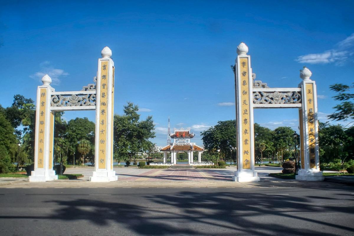 Chùm ảnh: Đình Thương Bạc – một chứng tích cho giai đoạn suy tàn của nhà Nguyễn