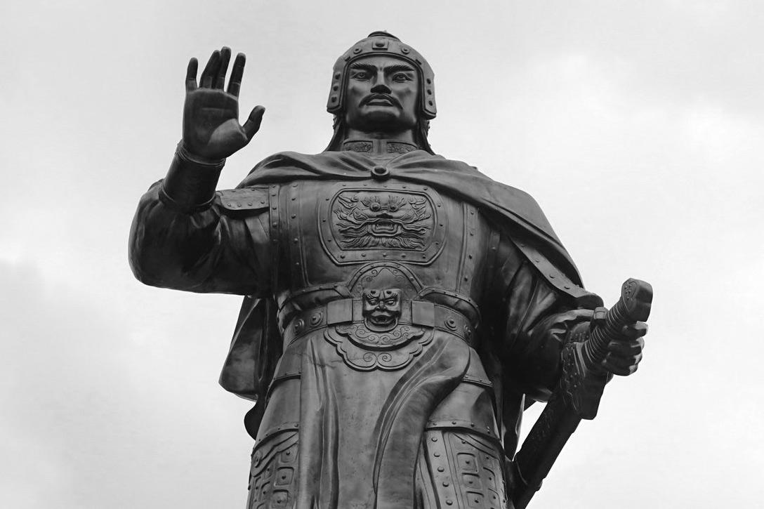 Tướng mạo kỳ lạ của bốn ông vua nổi tiếng lịch sử Việt Nam