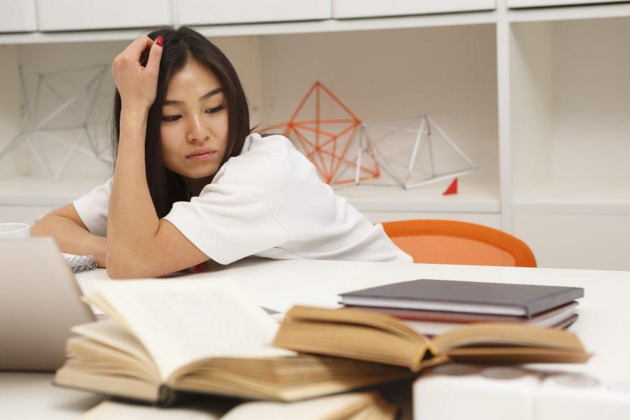 Vì sao sinh viên chán chường trên giảng đường?