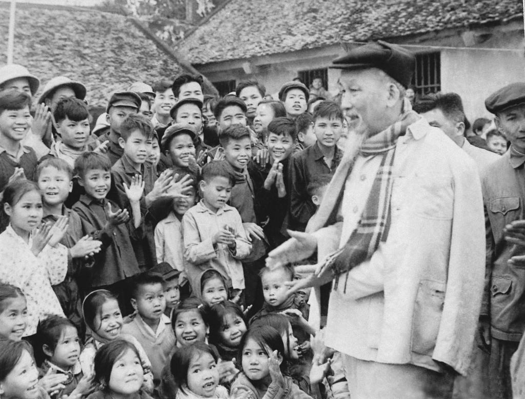 Lá thư Chủ tịch Hồ Chí Minh gửi học sinh ngày khai trường năm 1945