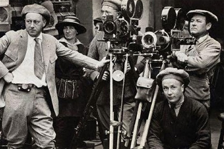 Về sự phát triển của lý thuyết điện ảnh phương Tây hiện đại