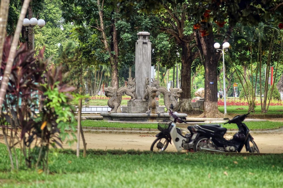 Chùm ảnh: Đài phun nước hình rồng một thế kỷ bên bờ sông Hương