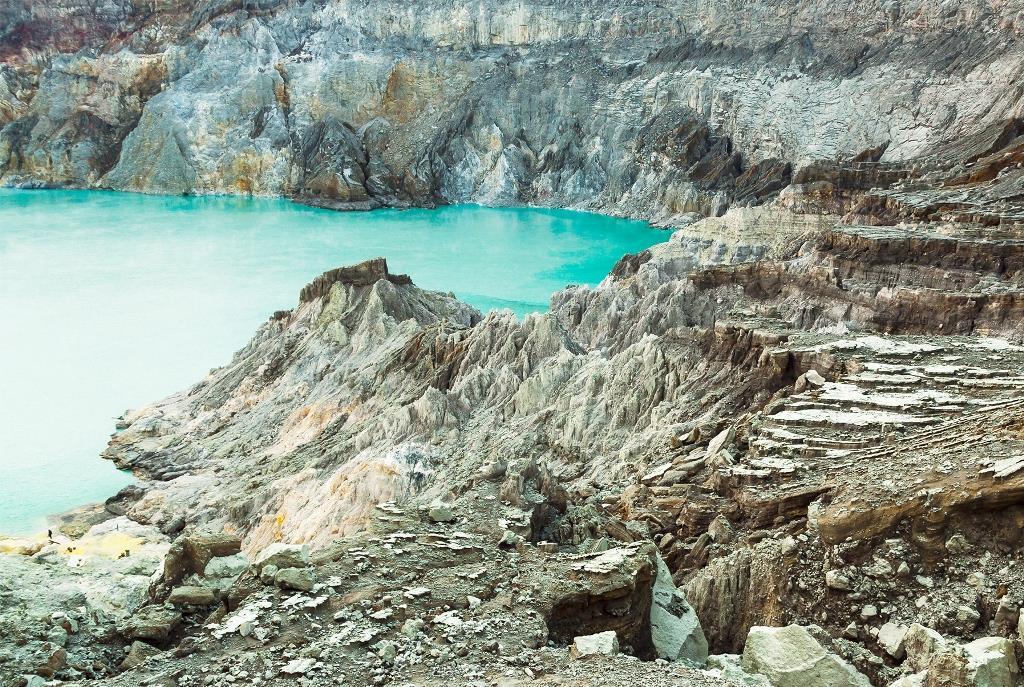 Chùm ảnh: Loạt hồ nước ngập acid đáng sợ trên thế giới