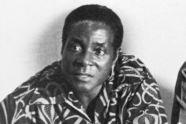 Robert Mugabe – từ anh hùng châu Phi đến nhà độc tài khiến dân chúng lầm than