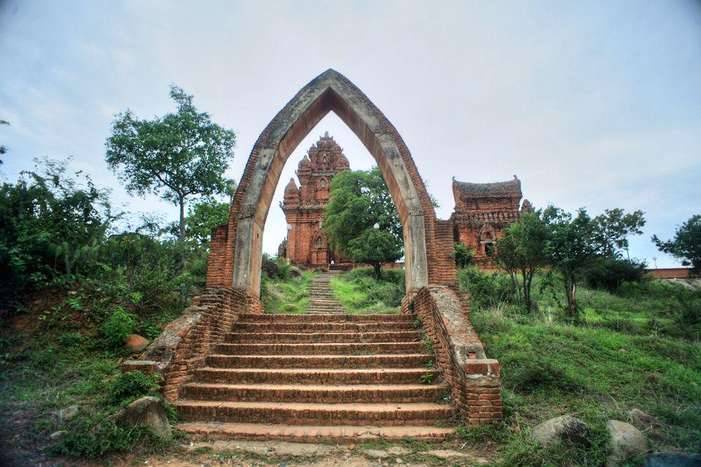Chùm ảnh: Po Klong Garai – tòa tháp Chăm đẹp nhất Việt Nam